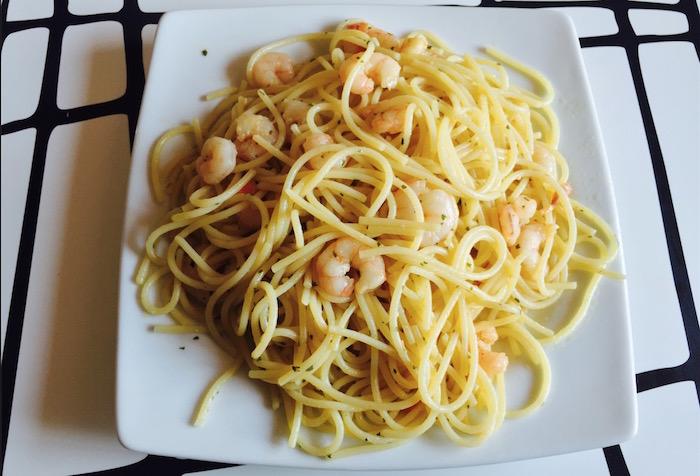 Pechugas rellenas de jam n queso en salsa de miel - Espaguetis con gambas y champinones ...