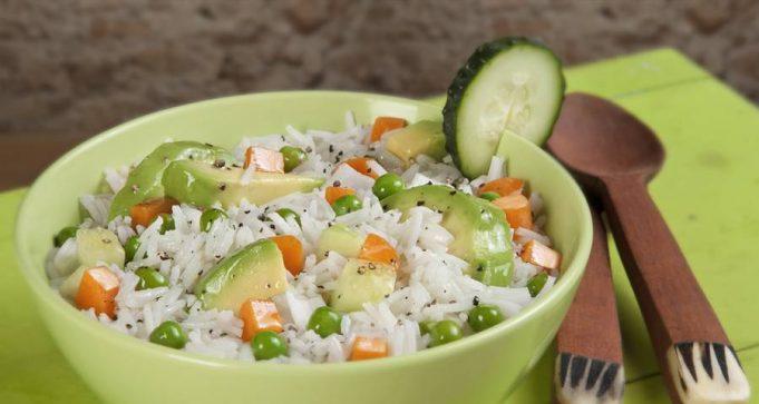 Ensalada de arroz y aguacate receta de tan s lo minutos - Ensalada de arroz light ...