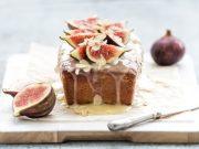 Pastel cuatro cuartos con higos el dulce otoñal para el desayuno