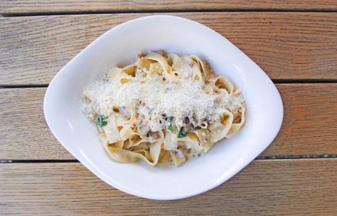 Linguini a la salsa carbonara
